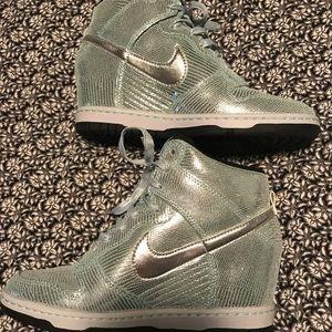 Nike sneakers metallic wedge sz 7.5